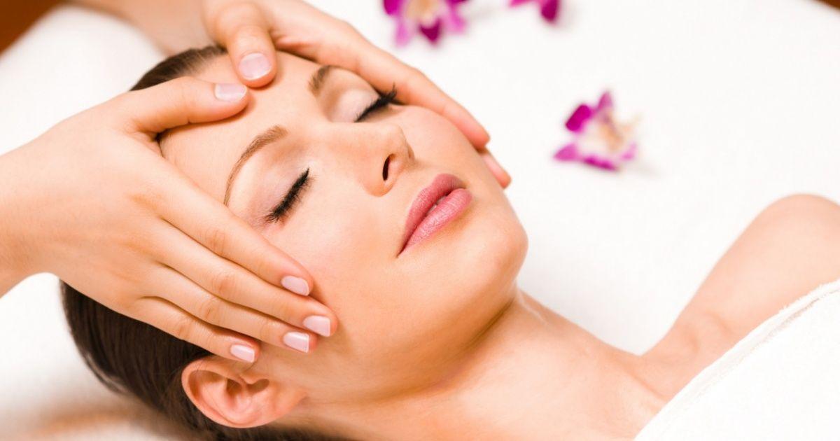 Sencillo masaje para activar laenergía vital detodo tucuerpo