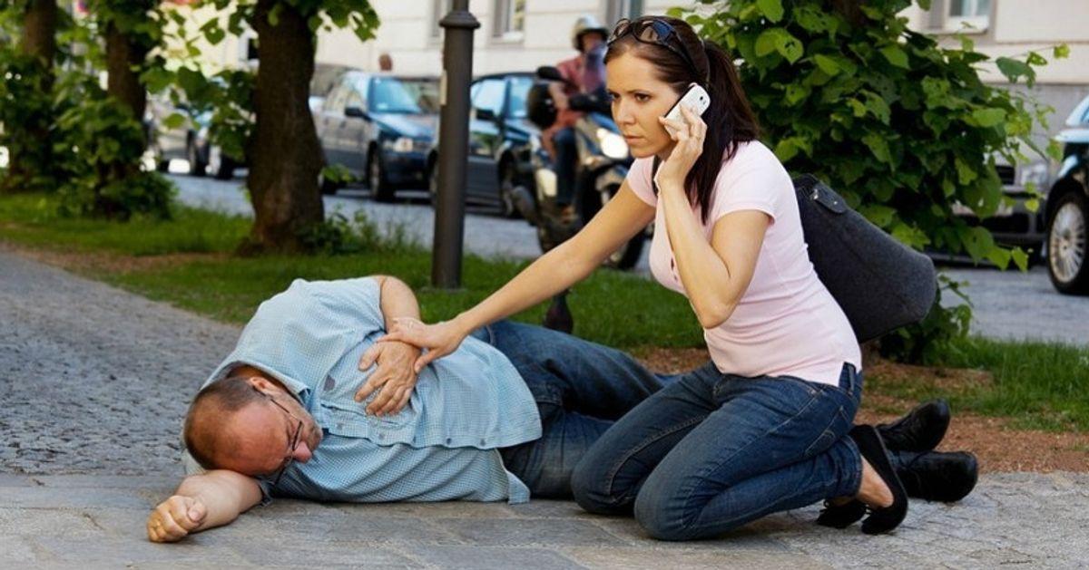 ¿Cómo reconocer unaccidente cerebrovascular?