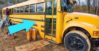 Esta pareja compró unautobús escolar ehizo algo increíble con él