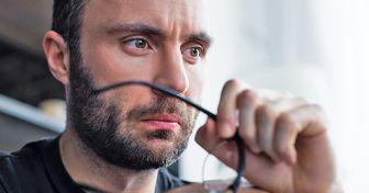 Para una encuesta, los hombres sufren más en el trabajo que las mujeres