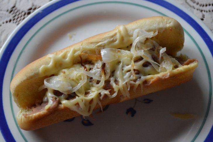 """Probamos 20 maneras de comer un """"hot dog"""", y este fue el resultado"""