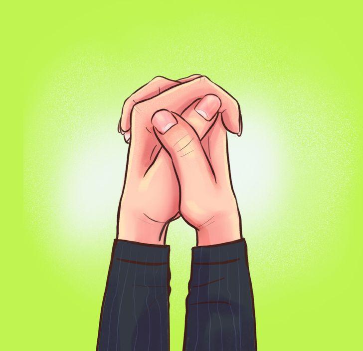 La forma en la que cruzas los dedos muestra qué tipo de persona eres