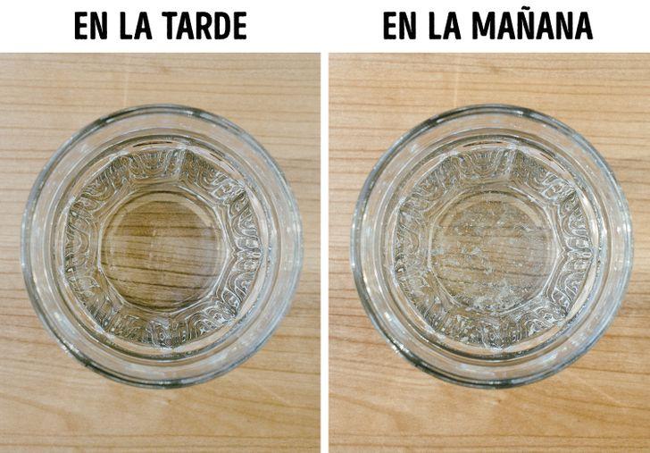Por qué deberías evitar dejar un vaso de agua cerca de tu cama
