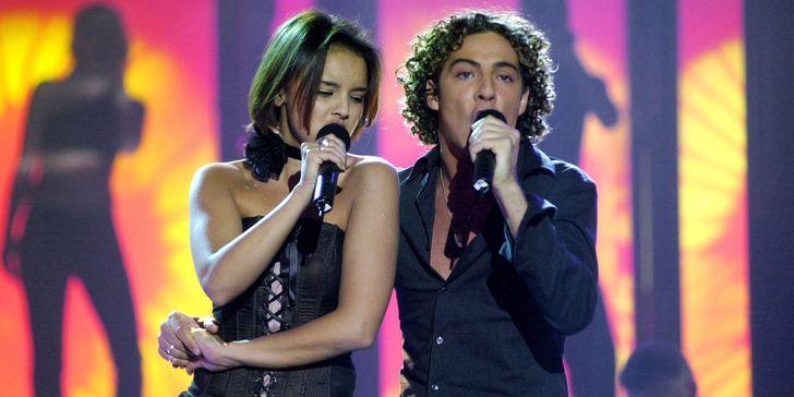 20 Parejas de cantantes que pasaron de cantarle al amor a vivir el amor entre ellos