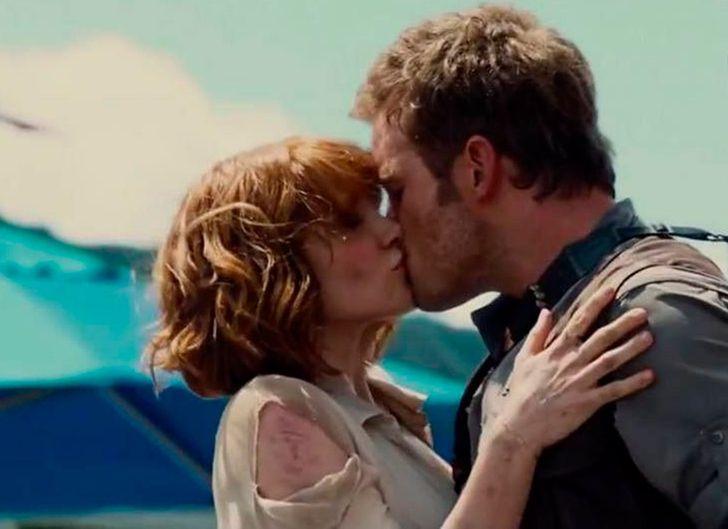 12 Besos de la pantalla que no estaban planeados, y surgieron por la emoción del momento