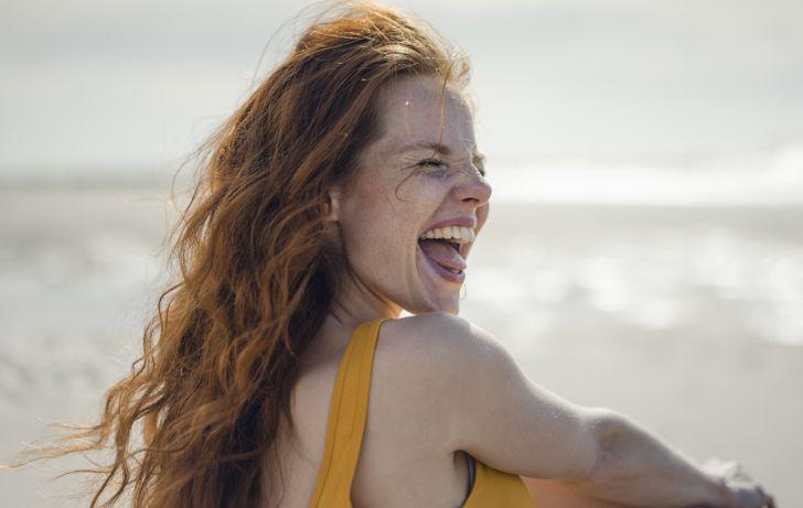 Viajar puede hacerte más feliz que casarte, según un estudio