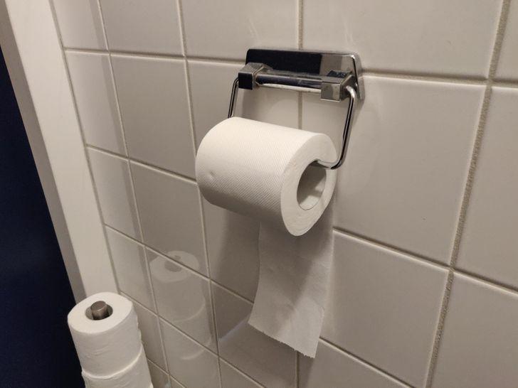 Para terminar con el misterio, te contamos cuál es la manera correcta de colocar el papel de baño
