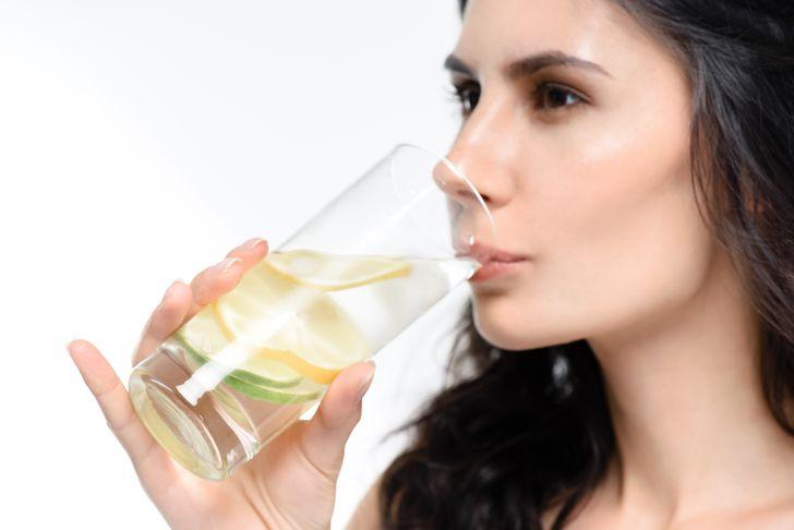 10Alimentos saludables que desintoxicarán ylimpiarán naturalmente tucuerpo
