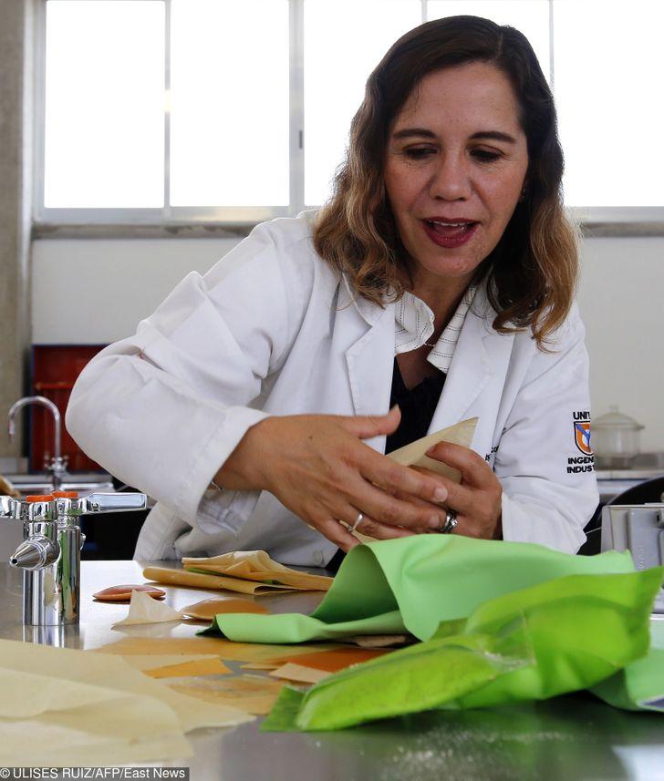 Un nuevo plástico creado en México a partir del nopal brinda una solución a uno de los grandes problemas de contaminación del planeta