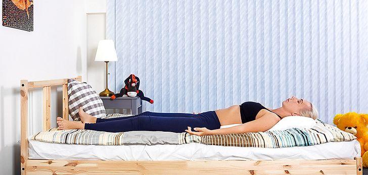 6Posturas que teayudarán aquedarte dormido alinstante